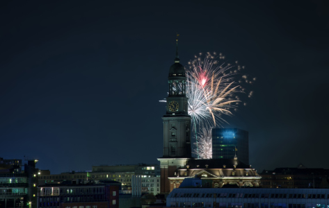 Picture no: 11978331 Feuerwerk am Michel Created by: Hamburg-Impressionen