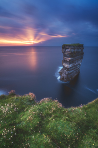 Picture no: 12006194 Irland Downpatrick head im Abendlicht Created by: Jean Claude Castor