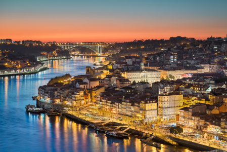 Picture no: 12011403 Lights of Porto Created by: Mapics