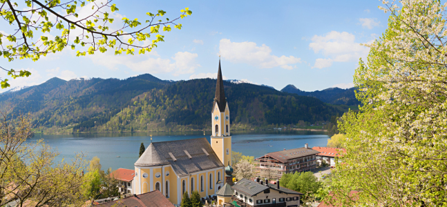 Picture no: 12018274 Schliersee Frühling mit Kirchblick Created by: SusaZoom