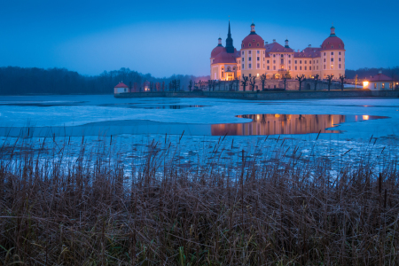 Picture no: 12036382 Schloss in Moritzburg am Winterabend Created by: Martin Wasilewski