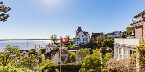 Picture no: 12041151 Blankenese in Hamburg Created by: dieterich