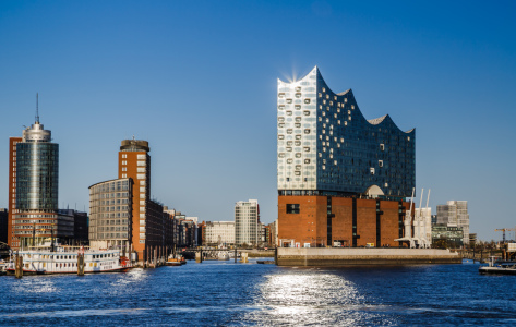 Picture no: 12059480 Light track at the Elbphilharmonie Created by: Ursula Reins