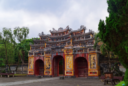 Picture no: 12114866 Cua Tho Chi Tor in der Kaiserstadt in Hue Vietnam Created by: Dennis Gross