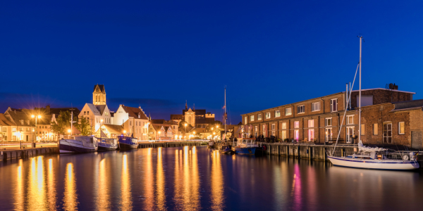 Picture no: 12185777 Alter Hafen in Wismar am Abend Created by: dieterich