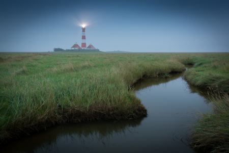 Picture no: 12199271 Nordsee Leuchtturm am Abend Created by: Martin Wasilewski