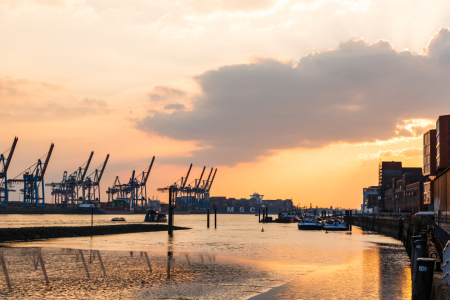 Picture no: 12232296 Dockland im goldenen Licht Created by: Werner Reins