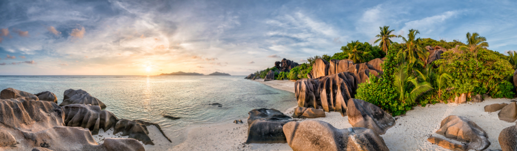Picture no: 12234389 Sonnenuntergang auf La Digue Created by: eyetronic
