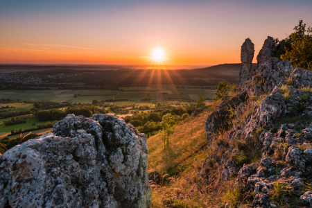 Picture no: 12263952 Sonnenuntergang auf Berg Walberla Created by: raphotography88
