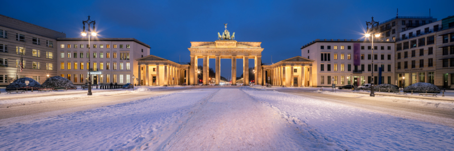 Picture no: 12407688 Brandenburger Tor Panorama im Winter Created by: eyetronic