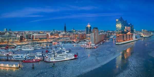 Picture no: 12408191 Hamburg Winter Panorama  Created by: Mapics