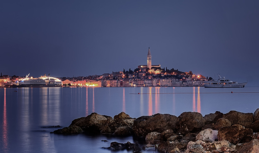 Picture no: 10640270 Rovinj bei Nacht Created by: Bernd1959