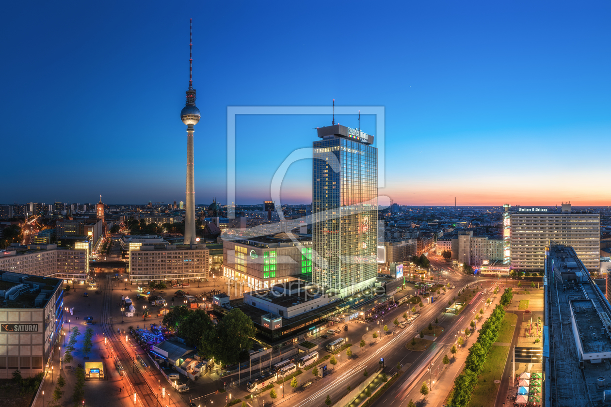 berlin skyline am alex zur blauen stunde als leinwand. Black Bedroom Furniture Sets. Home Design Ideas