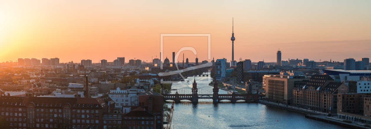 berlin skyline mediaspree panorama bei sonnenunter. Black Bedroom Furniture Sets. Home Design Ideas