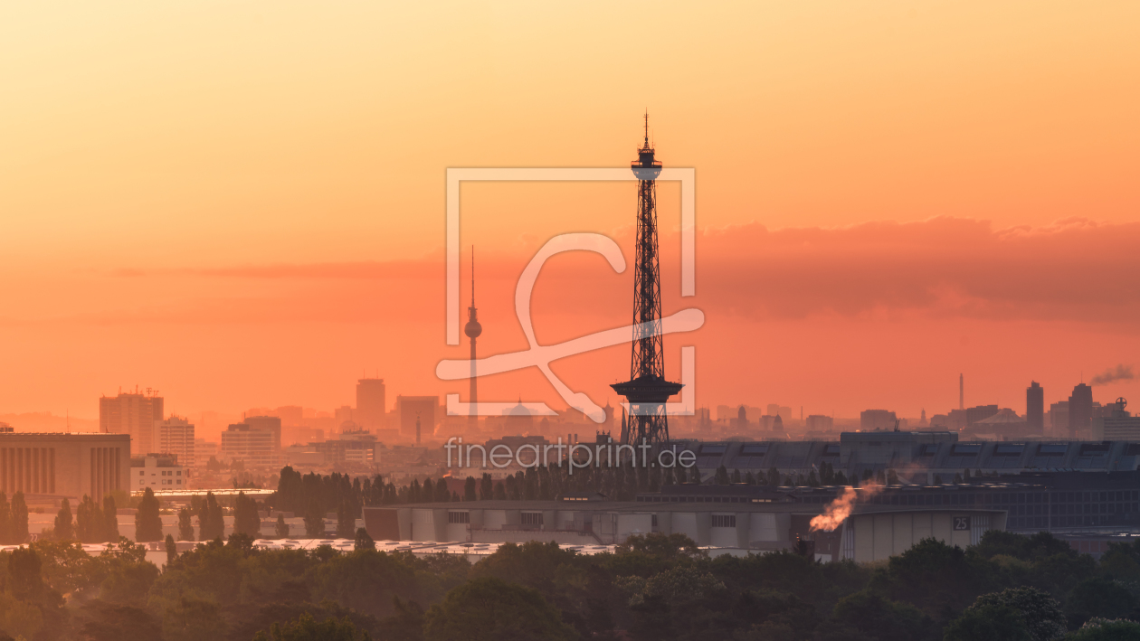 berlin skyline sunrise als tischaufsteller von jean cla. Black Bedroom Furniture Sets. Home Design Ideas