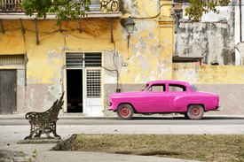 Pink Car in Havanna/9920240